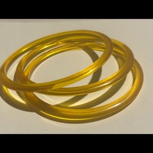 Vintage lucite early plastic bangles set of 3